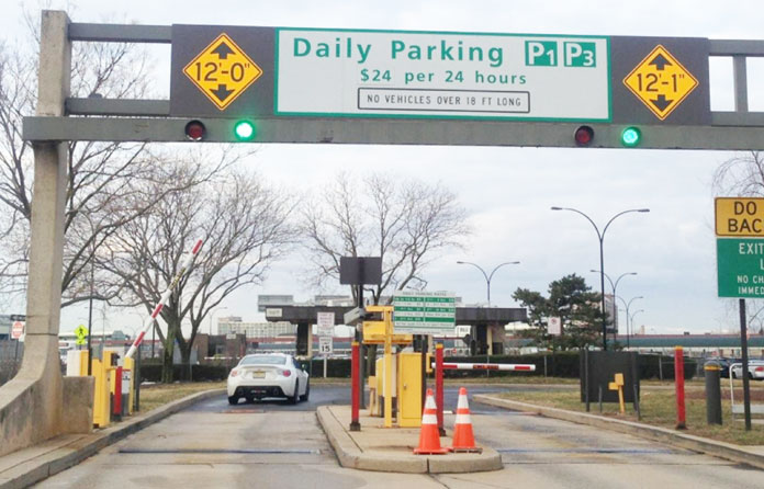 newark airport daily parking entrance sign